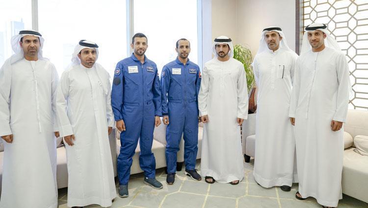 استقبال الشيخ محمد بن راشد ل النيادي و المنصوري