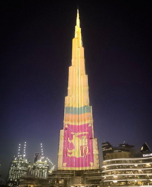 تزيين برج خليفة بعلم سريلانكا
