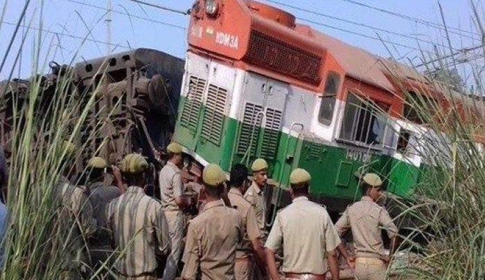 خروج عربات قطار بورفا اكسبريس عن القضبان