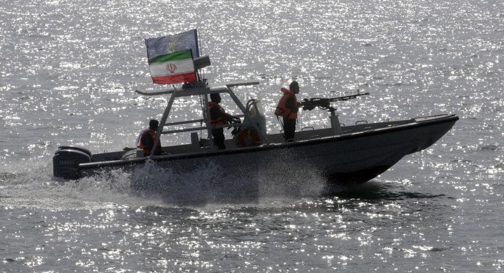 تهديد إيران بطرد الدول الثلاثة
