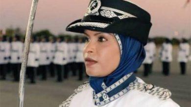 Photo of شيخة الحمبصية أول امرأة تعين في منصب قائد مركز شرطة في عمان