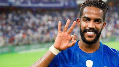 Photo of نواف العابد لاعب الهلال والمنتخب السعودي صاحب القميص رقم 10