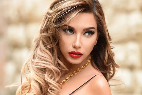 دانا حلبي danna