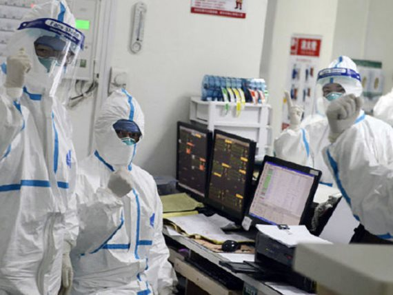 الإصابات بفيروس كورونا في الإمارات